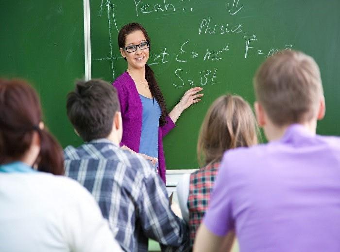 นักศึกษาฝึกสอนจาก DE MONTFORT UNIVERSITY เริ่มมาฝึกสอนที่วิทยาลัยนานาชาติ มหาวิทยาลัยราชภัฏสวนสุนันทา
