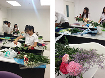"SSRUIC, Hotel Management Program arranged practical training for a ""flower bouquet"""